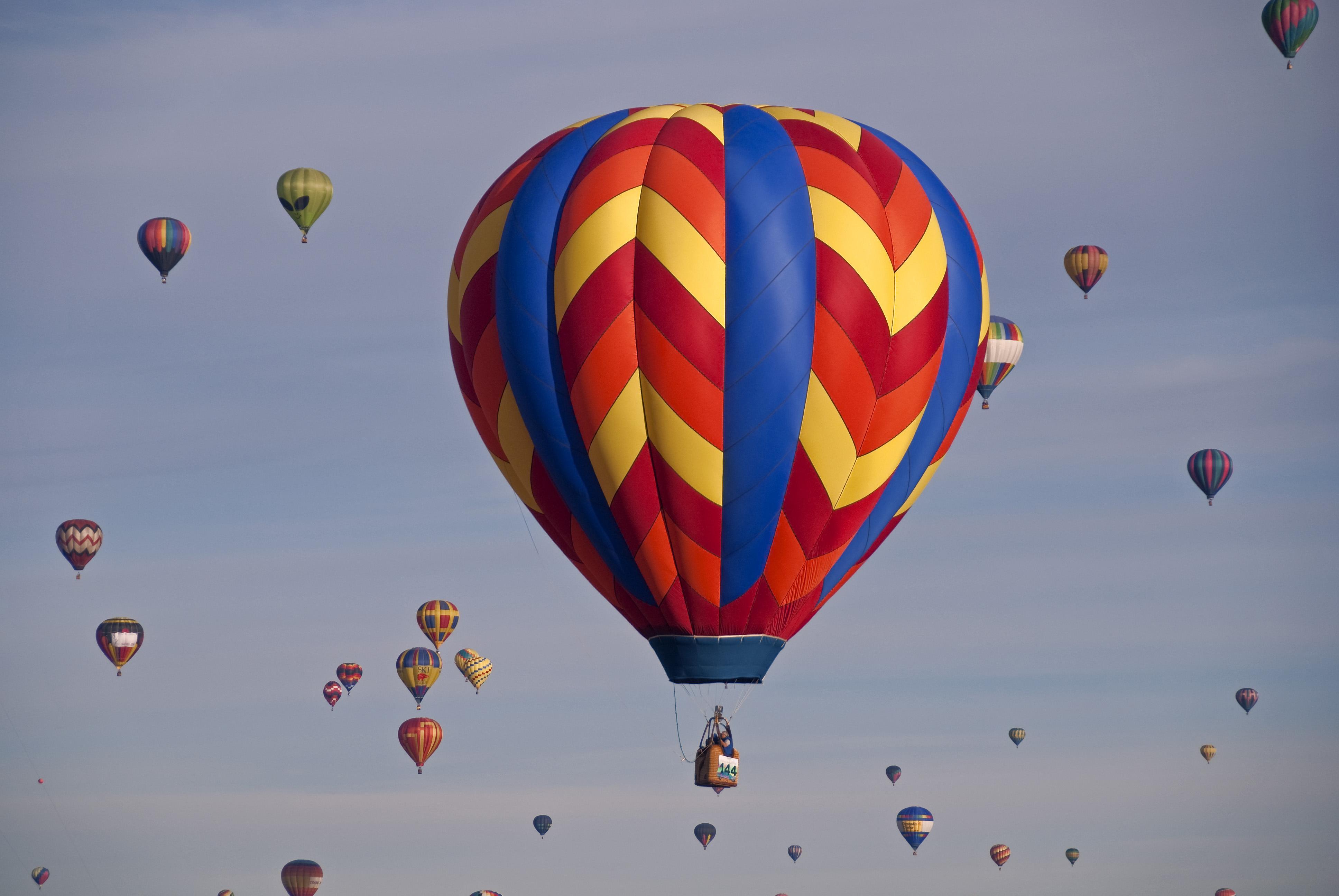 Картинки с летящими шарами воздушными